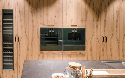 La madera: una tendencia que hace aún más cálida la experiencia en la cocina